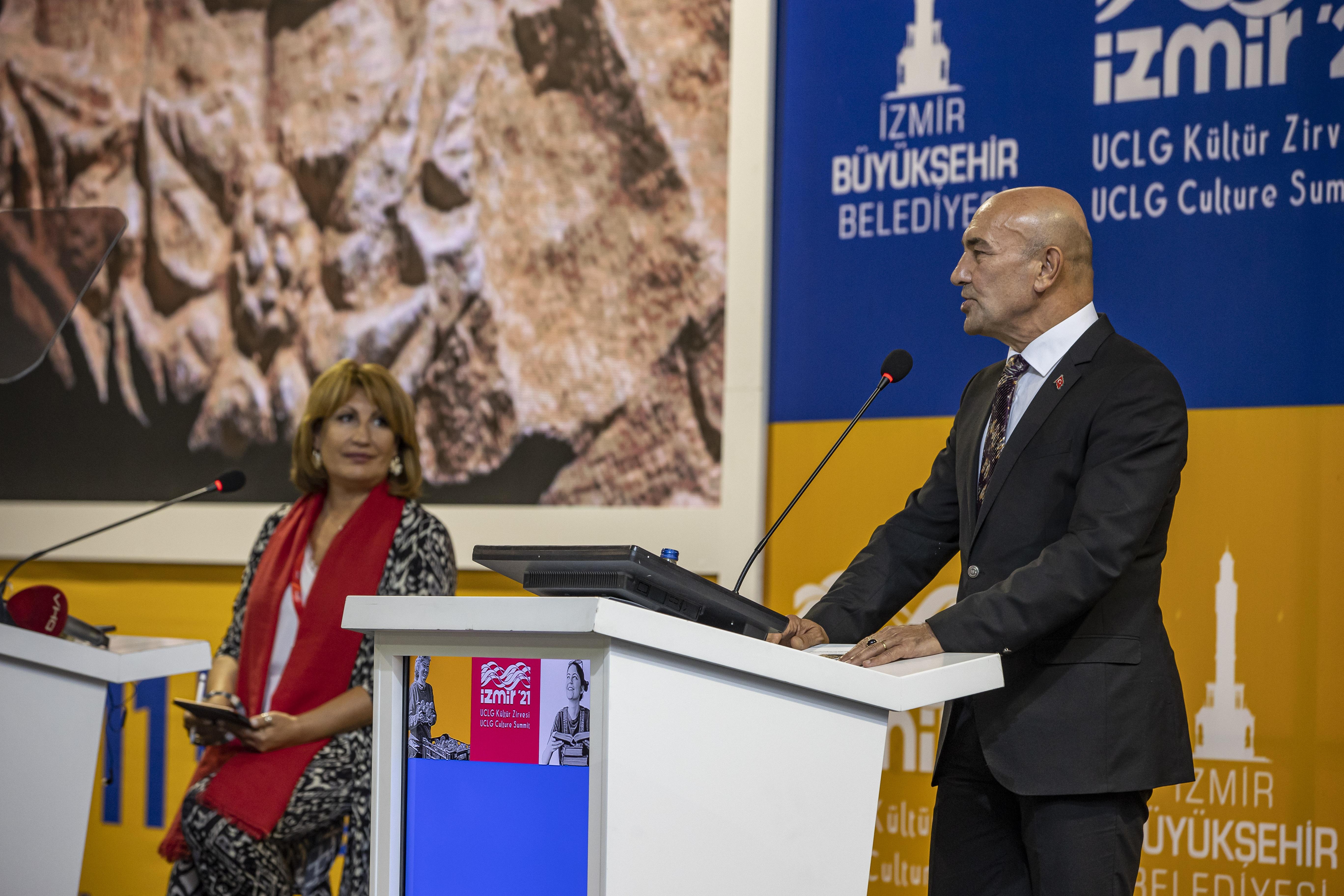Tunç Soyer and Emilia Saiz