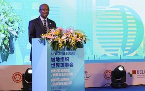 Le Président Parks Tau renouvelle l'engagement du réseau CGLU à contribuer à la mise en œuvre des agendas mondiaux