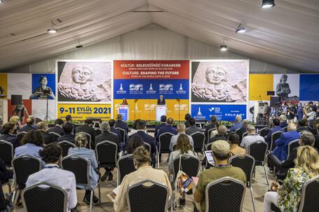 Ciudades y líderes culturales locales y regionales se reúnen en Izmir para definir el futuro de la humanidad